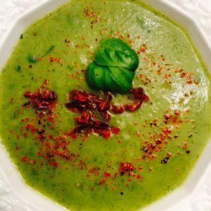 Geröstete Knoblauch Zucchini Suppe