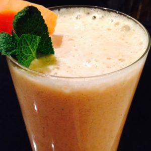 Papaya Minze Ingwer Smoothie