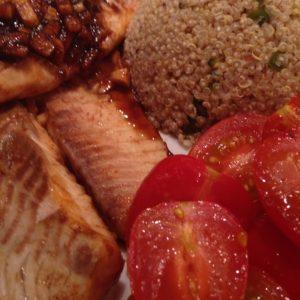 Orangen-Ingwer Tilapiafilet mit Haselnuss-Quinoa