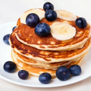 Protein Pancake mit Blaubeeren